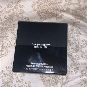 Mac Mineralized Skinfinish Natural in Medium Tan